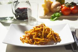 Bucatini All'amatriciana 300 Gr